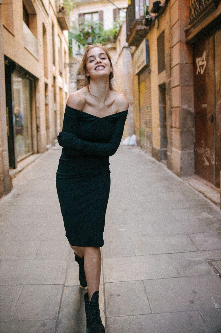 Sukienka MUUV - Sukienka Off Shoulder