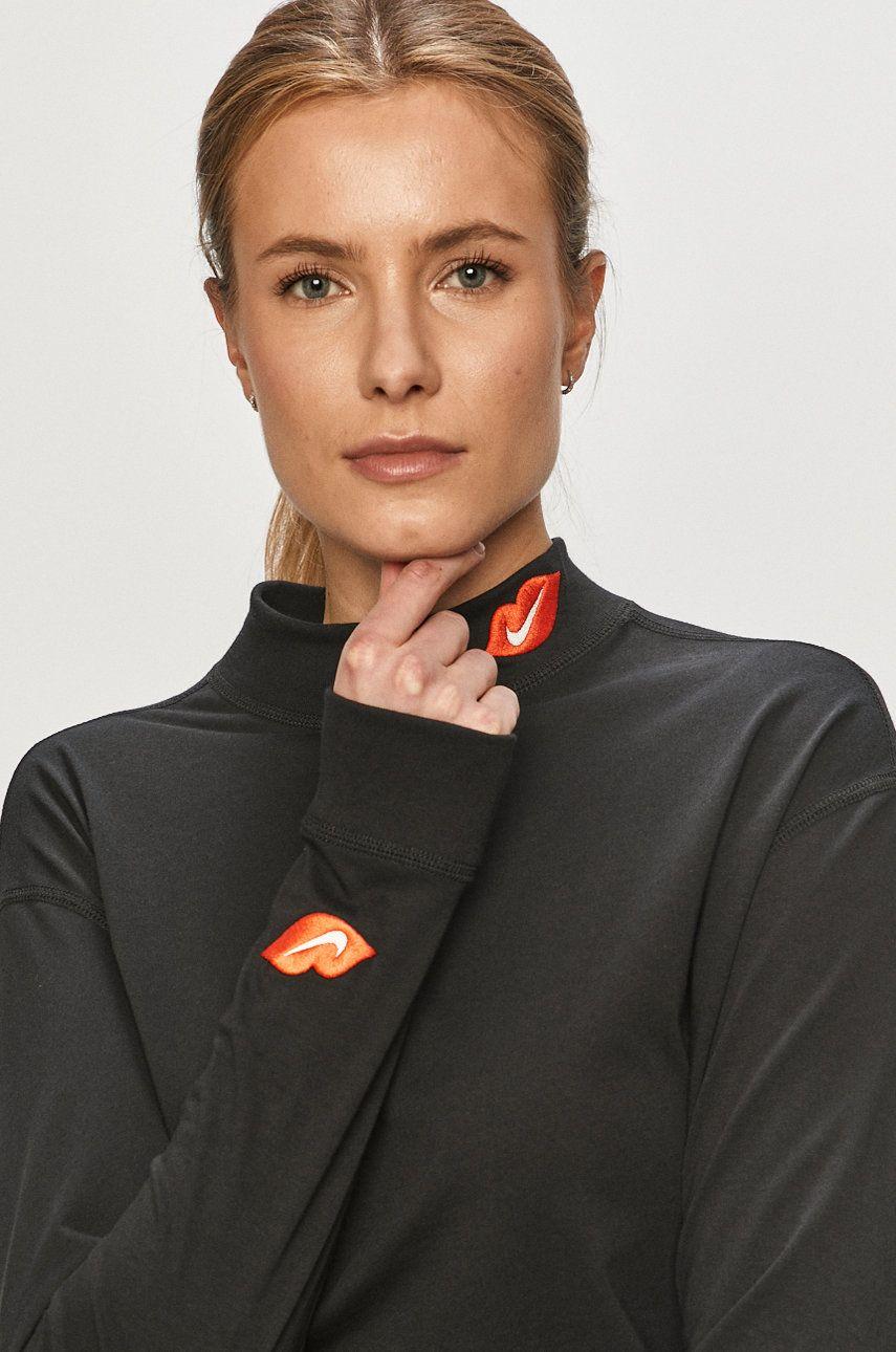 Nike Sportswear – Longsleeve