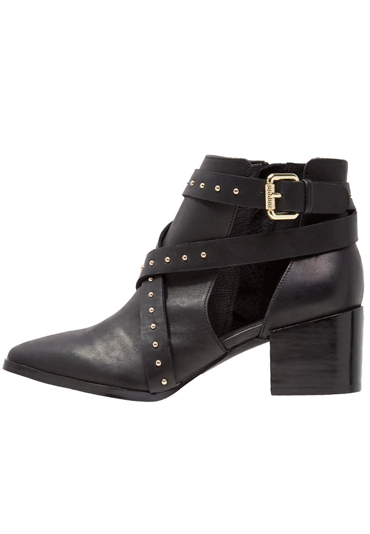 Ivyrevel Ankle boot black - CUT OUT