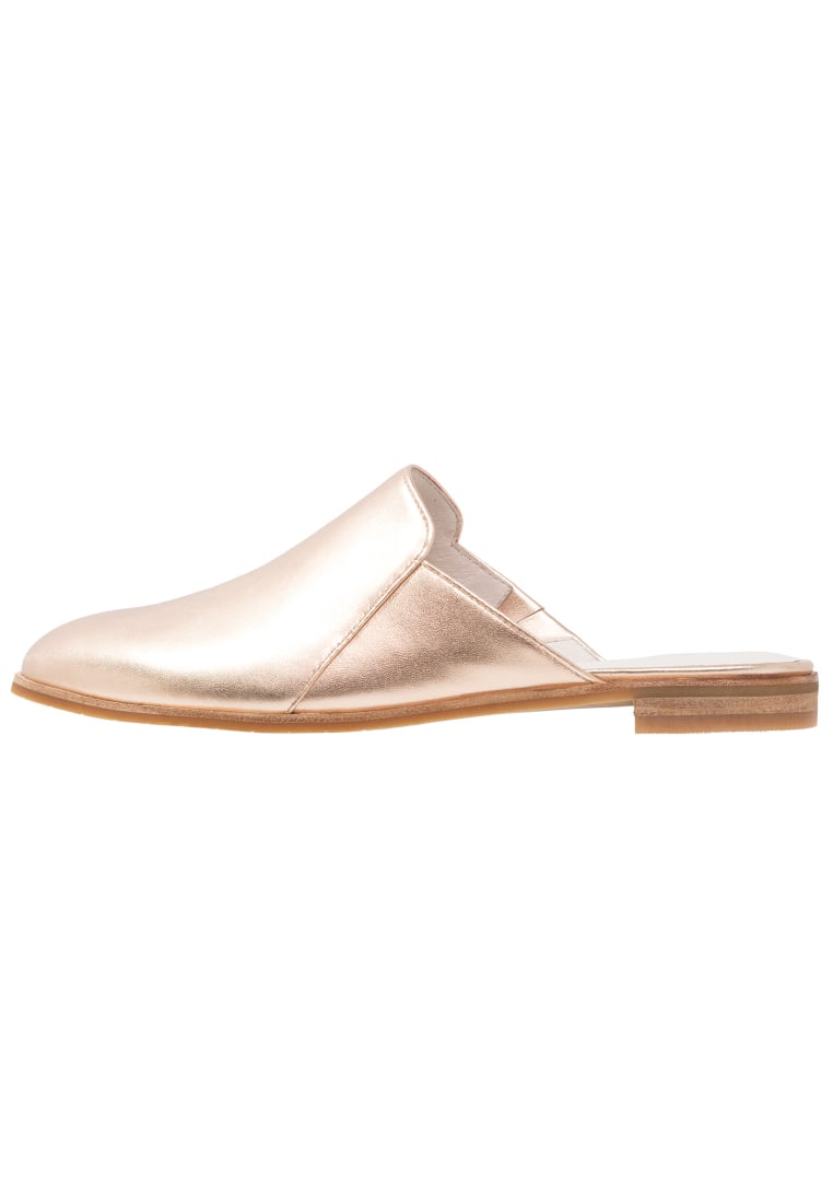 Kenneth Cole New York ROXANNE Klapki rose gold metallic