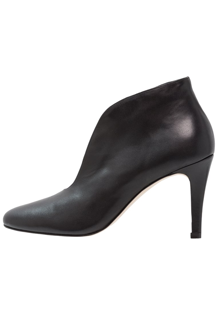 Toral Ankle boot black - 10700
