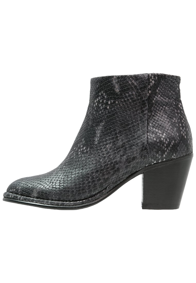 Fred de la Bretoniere Ankle boot black - FWO01.228137