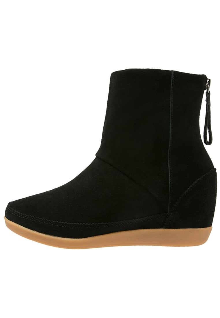 Shoe The Bear EMMY Botki na koturnie black - EMMY FUR