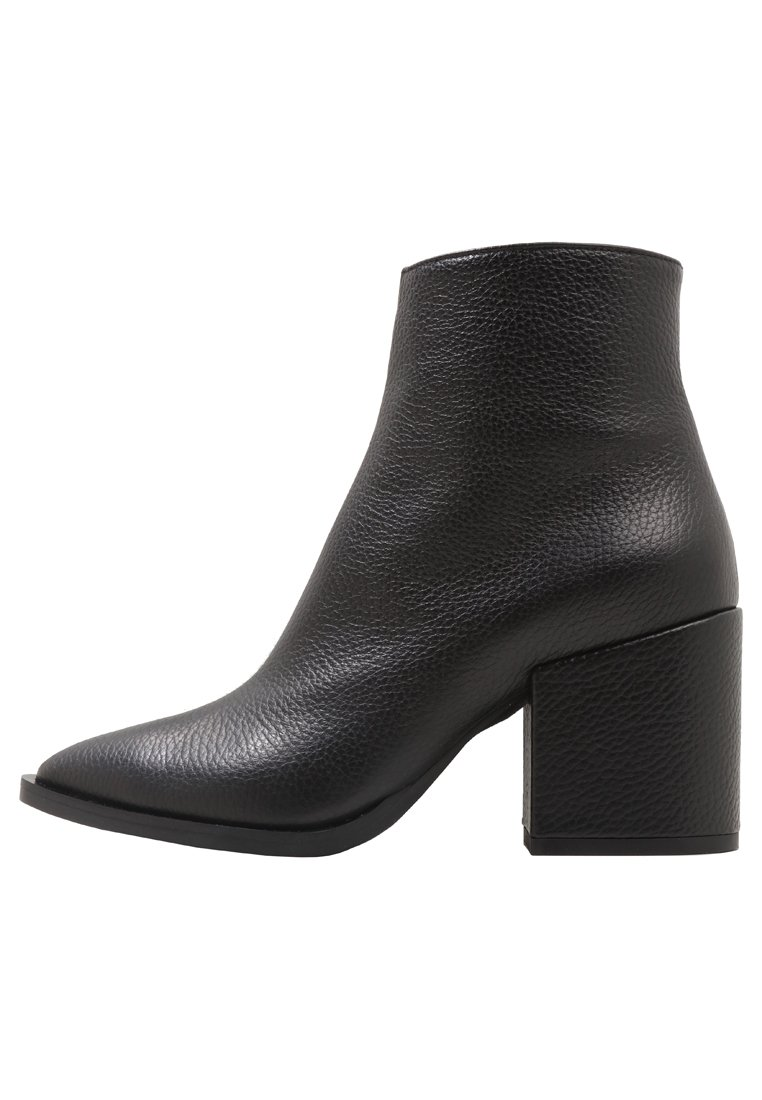 McQ Alexander McQueen SHADOW Ankle boot black - 494542R2429