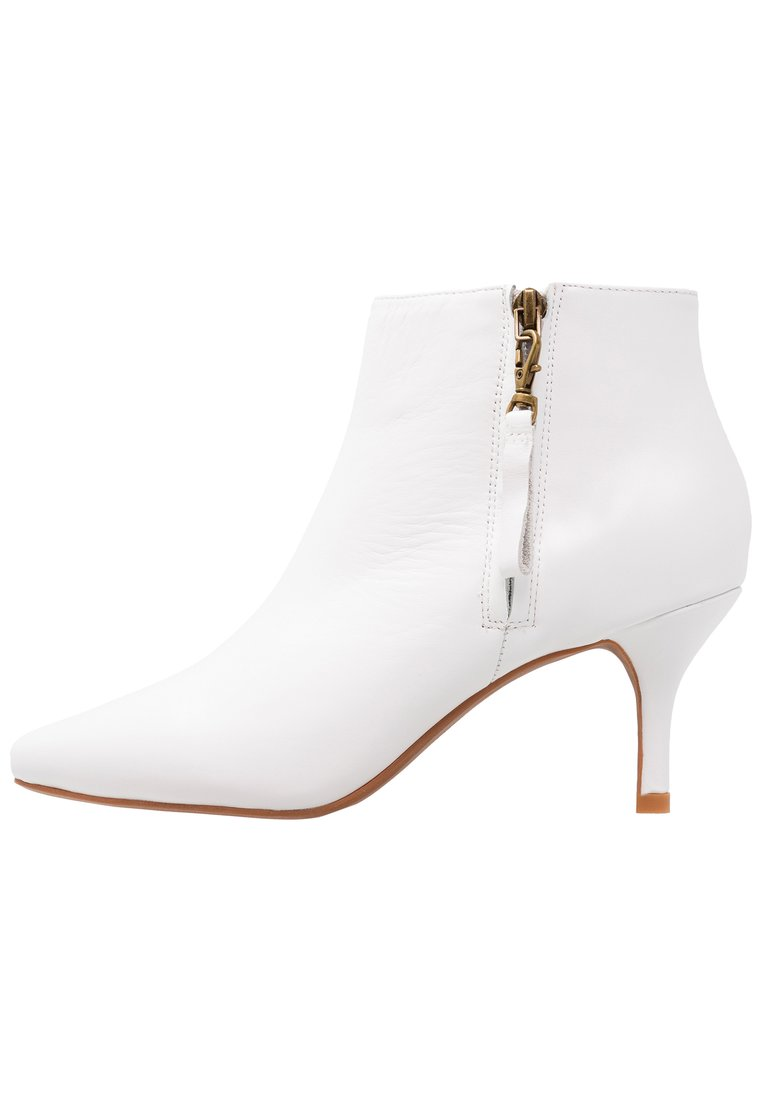 Shoe The Bear AGNETE Ankle boot white - STB1033