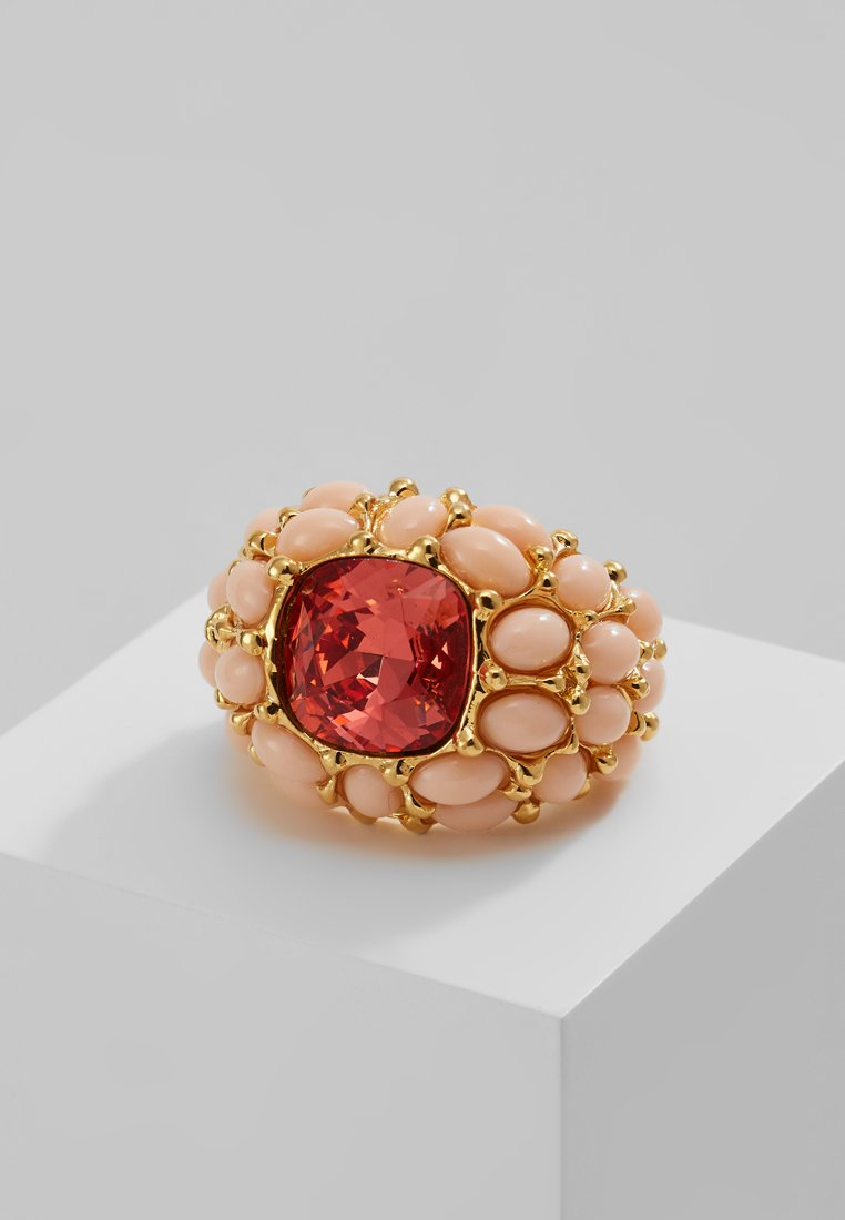 Kenneth Jay Lane CABOCHON CENTER Pierścionek goldcoloured - 7300RASRS