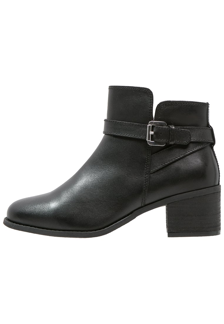 Pier One Ankle boot black - 55CMT17