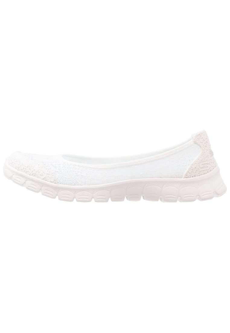 Skechers FLEX 3.0 Baleriny white