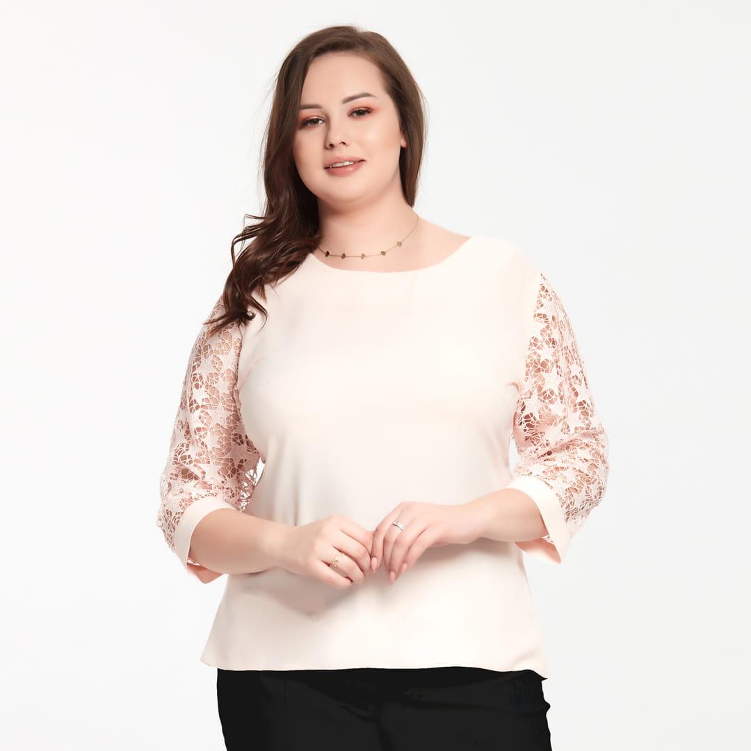 Bluzka Marta w kolorze łososiowym z koronkowym rękawem XXL OVERSIZE WIOSNA rozmiar 54 – Moda Size Plus