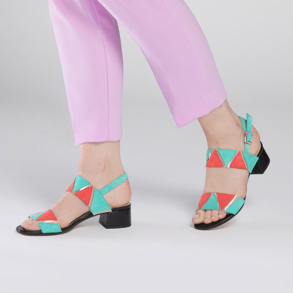 Sandały Sandały skórzane na niskim słupku z kolorowymi wstawkami 2