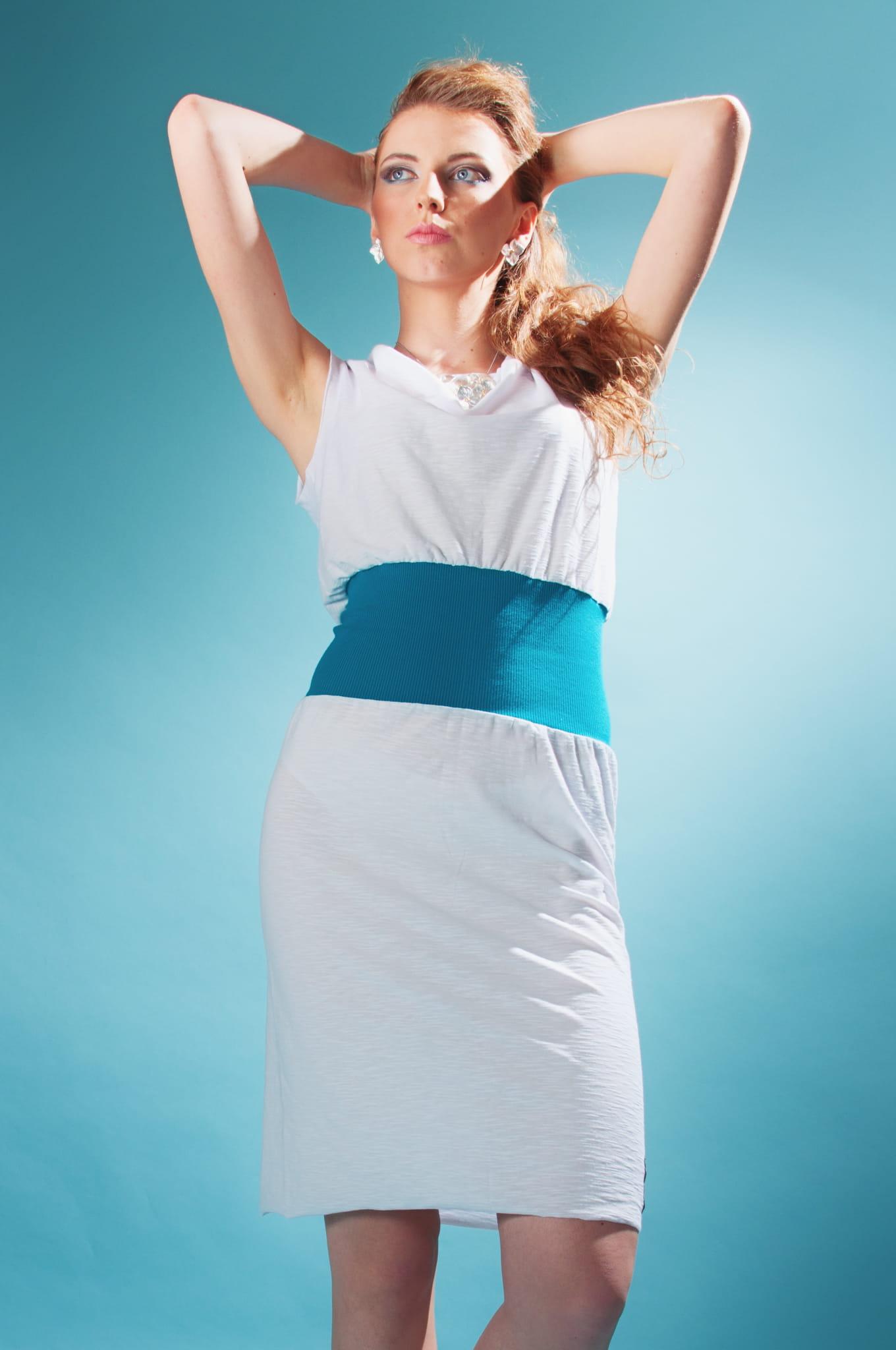 Sukienka Sukienka wąska biała z turkusem
