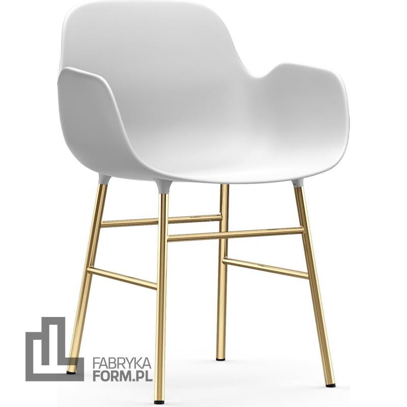 Fotel Form biały na mosiężnych nogach
