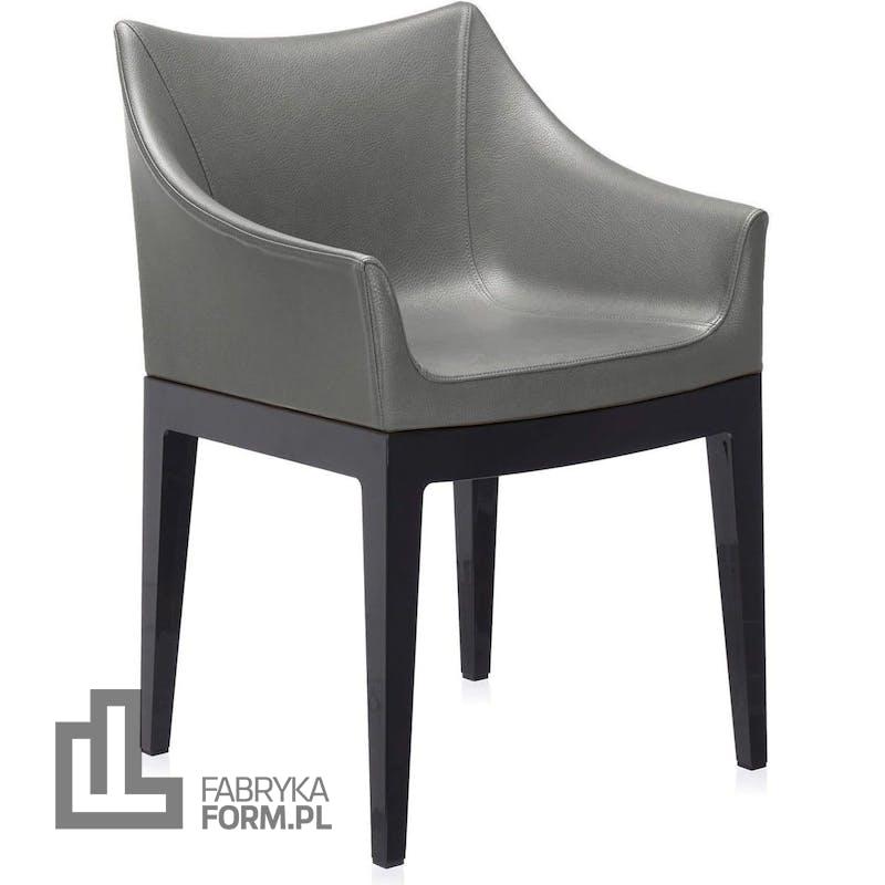 Fotel Madame ciemnoszary z czarnymi nogami