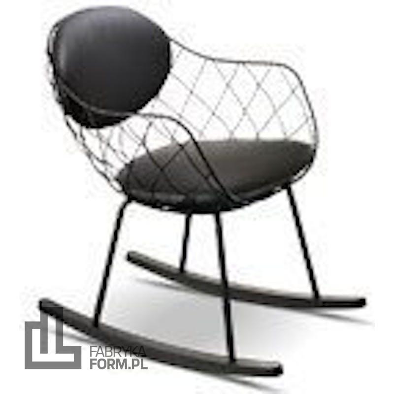 Fotel bujany Pina białe siedzisko naturalne nogi biała skóra